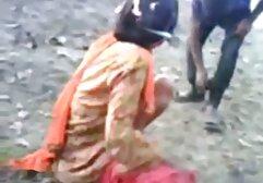 Mercy キス 動画 一徹 Starrは彼女の膝の上にあり、コックを吸う